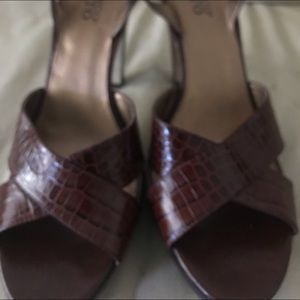 Franco Sarto platforms Sandals 10